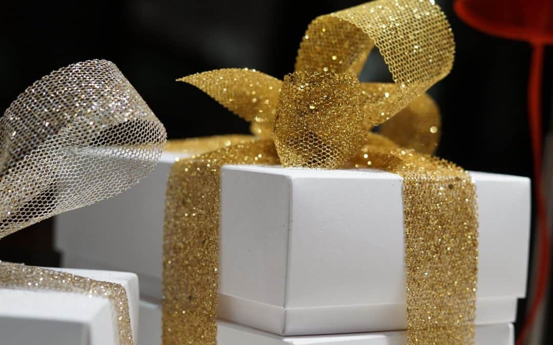 10 Corporate Christmas Gift Ideas for Clients